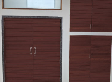 straton Gate Coverings